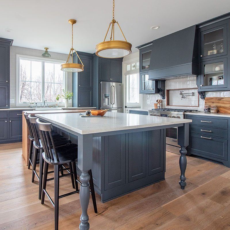 Kenowa Builders: Modern Farmhouse Kitchen Design, Navy Kitchen with Island