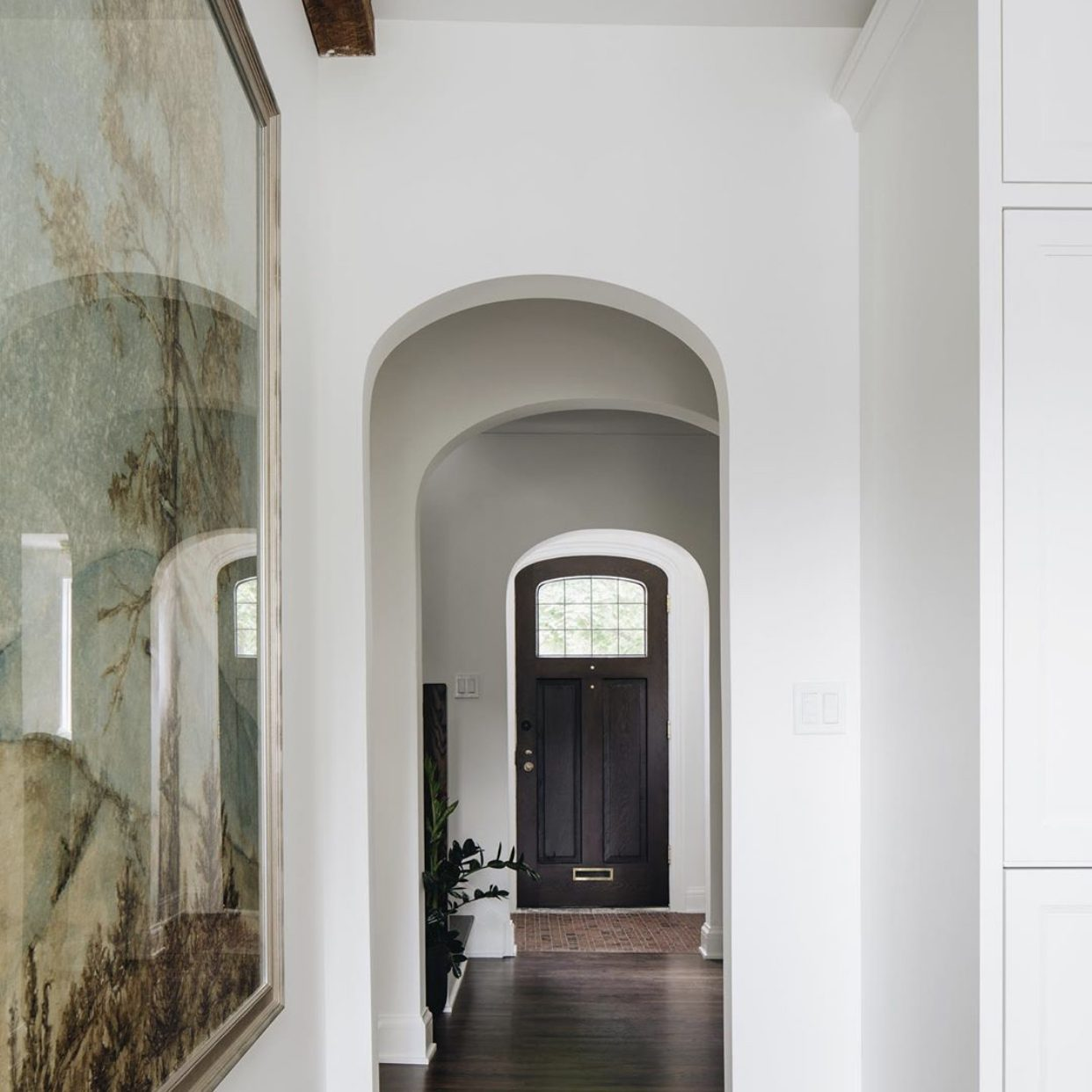 Kenowa Builers: Modern Neutral Foyer Design, Neutral Entryway Decor with Jean Stoffer Design