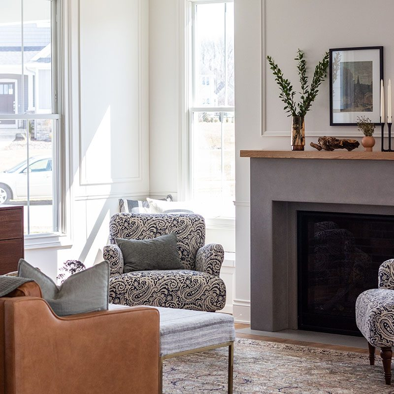 Kenowa Builders: Traditional Living Room with Concrete Fireplace, Modern Farmhouse Family Room Decor